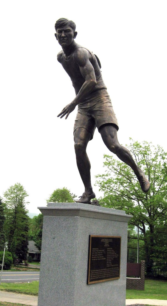 Jim Thorpe statue dedicated May 21, 2011
